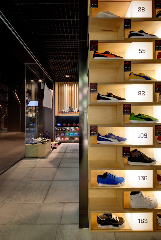Sneakerology/Streetology by Facet Studio | Shop interiors