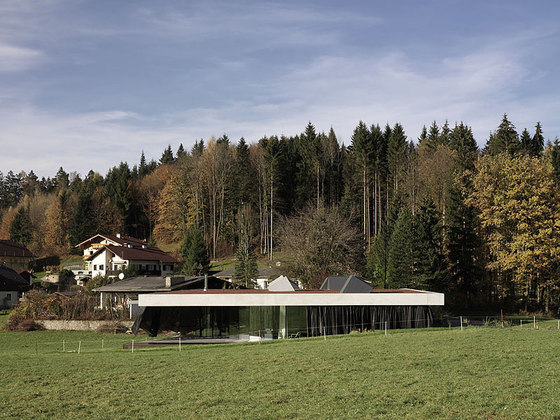 "Haus 47°40'48""n/13°8'12""E by Maria Flöckner & Hermann Schnöll Architekten 