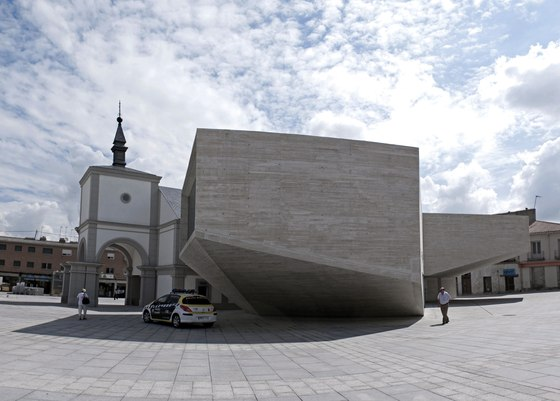 New Cultural Center, Madrid by Fündc | Theatres