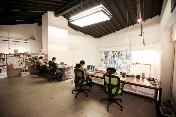Uribe de Bedout Arquitectos Studio di LIGHTCUBE | Spazi ufficio