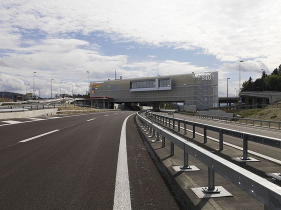 autobahnraststätte 'my stop' by Hotz Partner AG | Infrastructure buildings