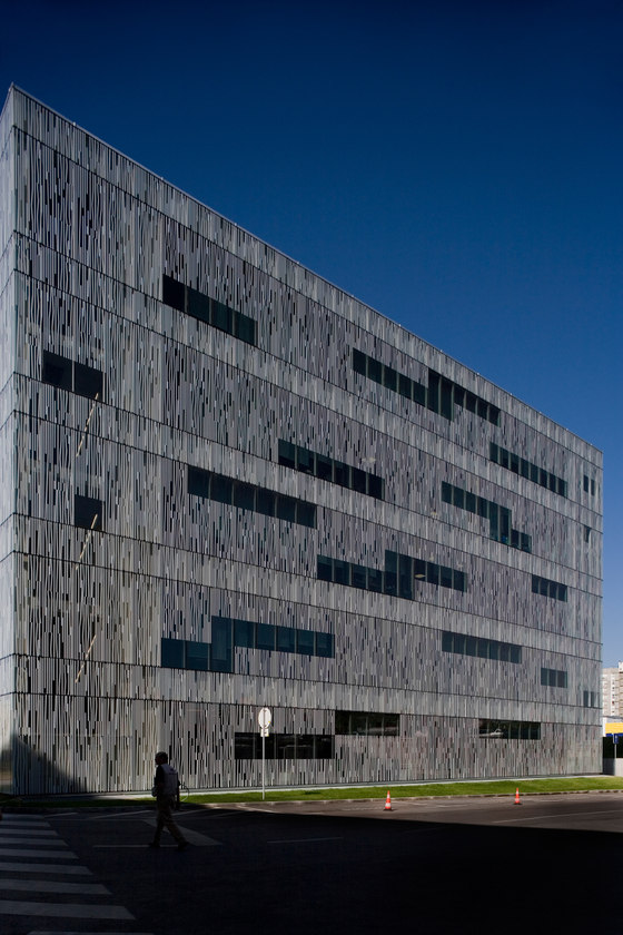 R.T.P. / R.D.P. Studios by Frederico Valsassina | Office buildings