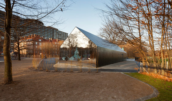 Mirror House by MLRP | Kindergartens / day nurseries
