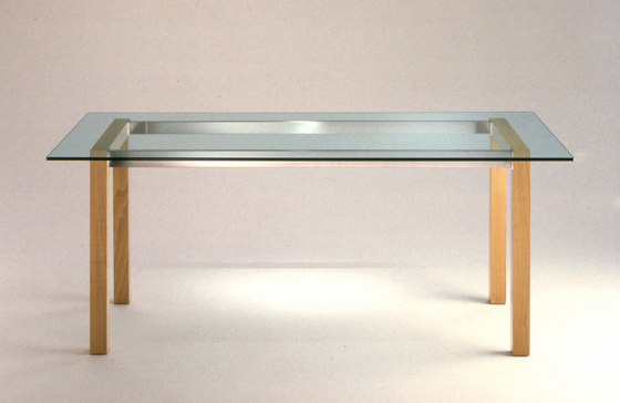 Puro | Table de Kristiina Lassus Studio |