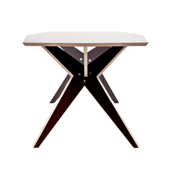 NW 208 TABLE de Kyburz Produktdesign | Making-ofs