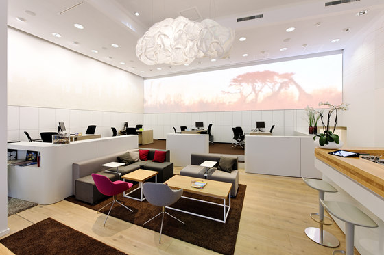World of tui von ansorg reference projects for Interior design travel agency office