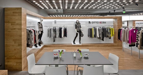 Visplay reference projects-Via Appia Showroom