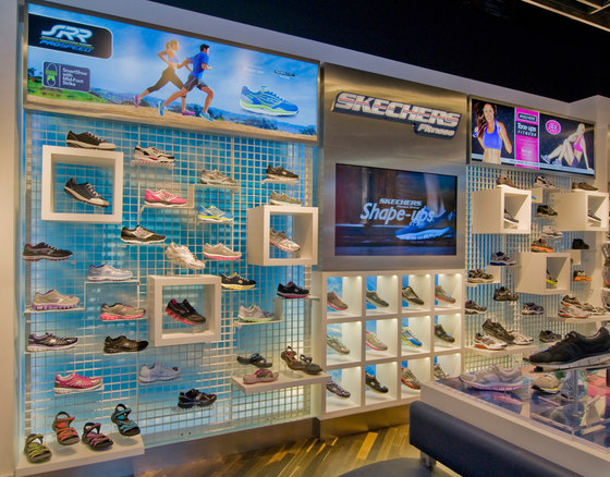 Skechers di Visplay reference projects | Manufacturer references