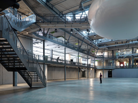 Umweltarena Spreitenbach by rené schmid architekten ag | Office buildings