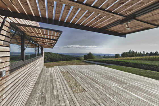 Summer House in Southern Burgenland by Judith Benzer Architektur | Detached houses