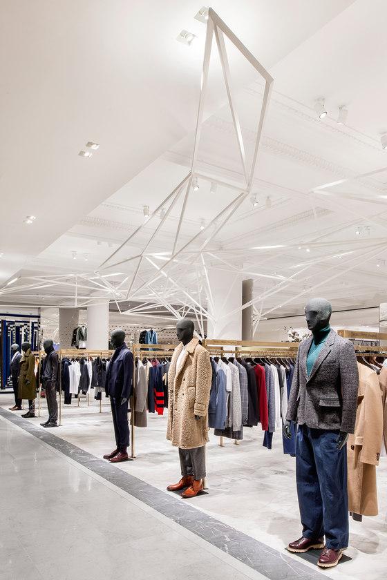 Selfridges Designer Menswear Space di Alex Cochrane Architects | Negozi - Interni