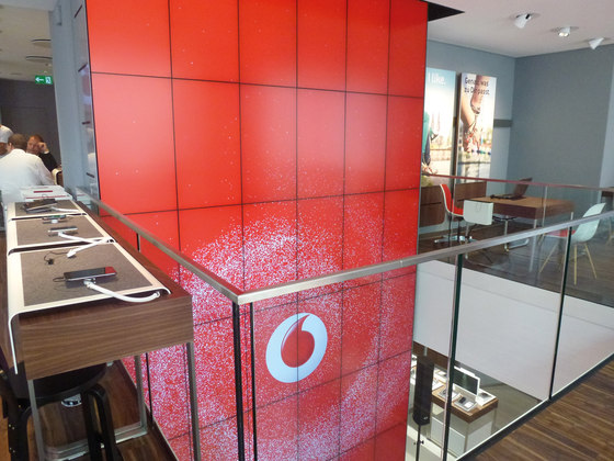 Vodafone Flagshipstore by macom | AudioVisual Design | Shop interiors