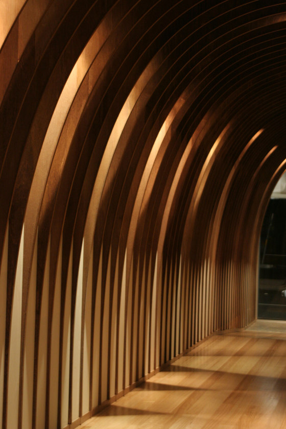 Cave Restaurant (Sushi Train) di Koichi Takada Architects | Ristoranti - Interni