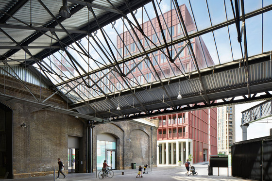 R7 von Duggan Morris Architects | Bürogebäude