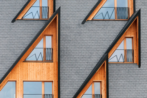 پنجرهای خانه های کوهستانی