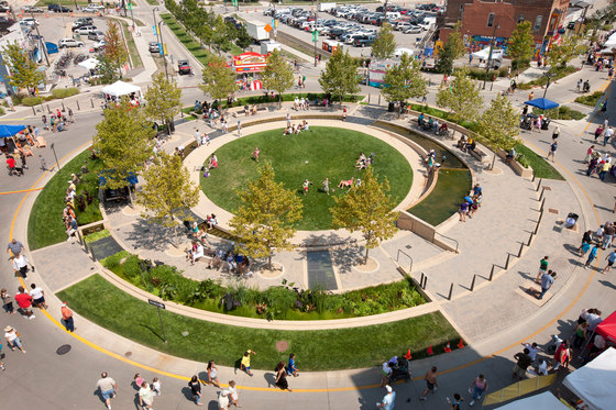 Country landscape design landscaping network - The Circle Uptown Normal By Hoerr Schaudt Landscape
