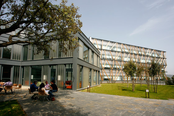 Telefónica Corporate University in Parc de Belloch by Santa & Cole | Manufacturer references