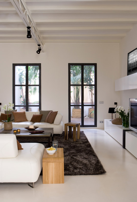 Gothic Apartment By Ylab Arquitectos Living Space