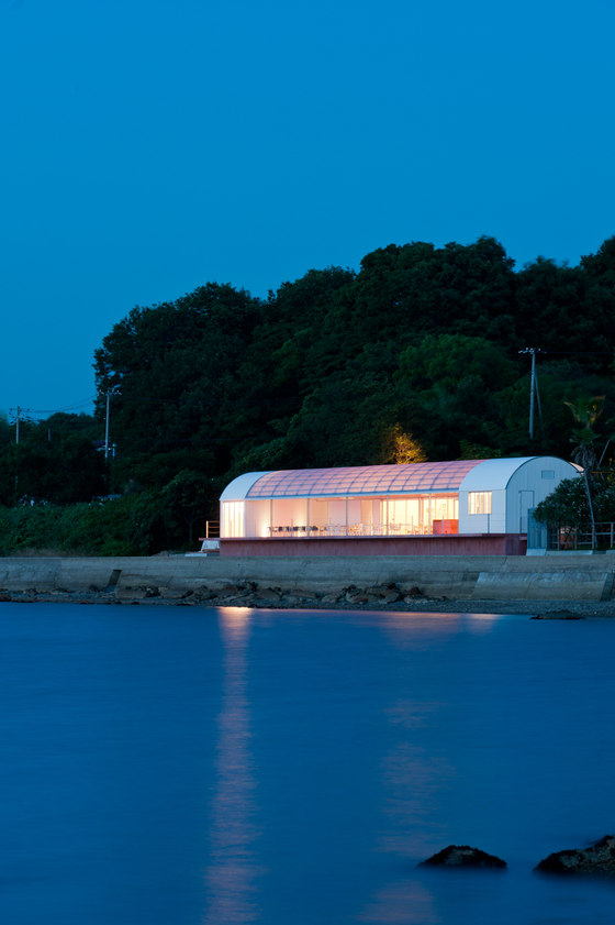 RESTAURANT ON THE SEA by CASE-REAL | Restaurants