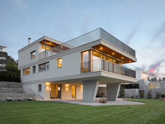 Contemporary villa by studioforma architects detached houses for Modern house zurich