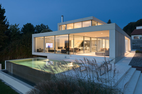 Einfaminienhaus R.H. by Sky-Frame | Manufacturer references