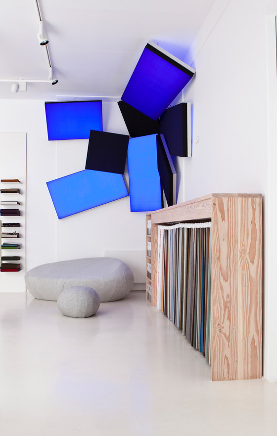 Kvadrat Showroom Paris - See what you've made me do by Luminous Surfaces (Color Kinetics) | Manufacturer references
