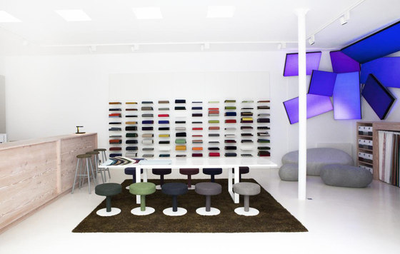 Kvadrat showroom paris see what you ve made me do by philips lighting man - Www made com showroom ...