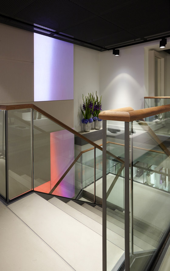 Laurèl flagship store Munich by Luminous Surfaces (Color Kinetics) | Manufacturer references
