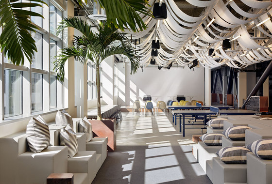 Dropbox corporate office Rapt Architonic Dropbox By Geremia Design Office Facilities