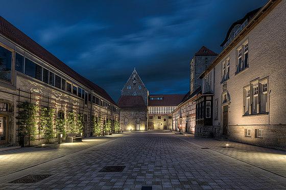 Stiftung Universität Hildesheim von Linea Light Group reference ...