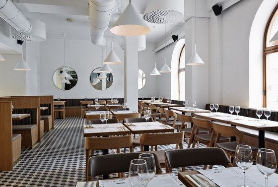 The Intro Restaurant and Club de TON   Manufacturer references
