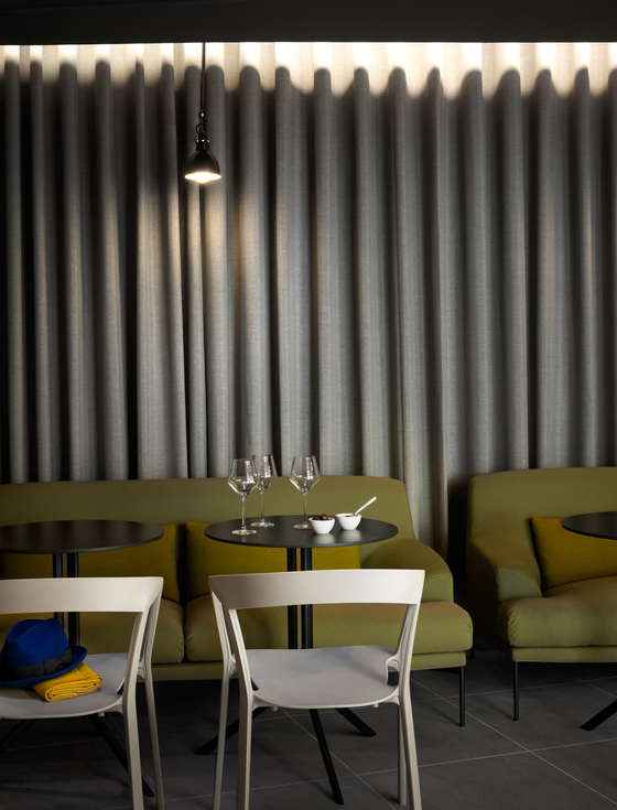 Okko Hotels by Tacchini Italia | Manufacturer references