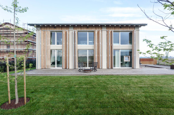 House EFFE-E by Archiplan Studio | Detached houses
