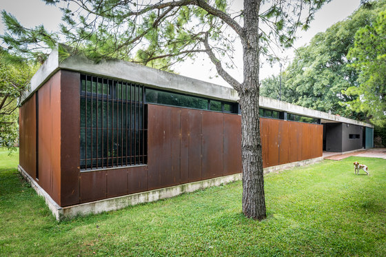 Linear House by Roberto Benito Arquitecto | Detached houses