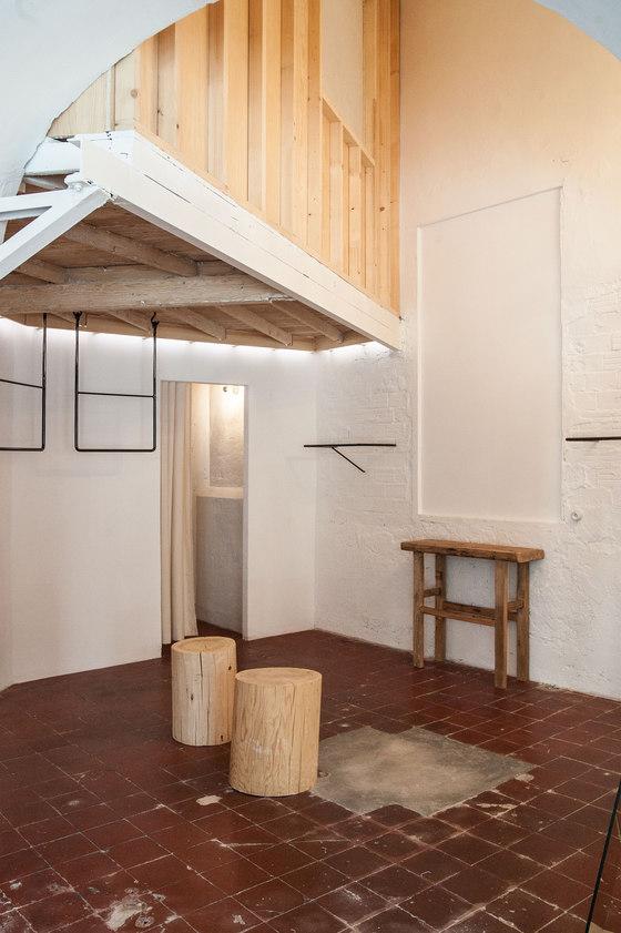 Shop and exhibition space by atelier m3a architectes for Atelier 4 architecte