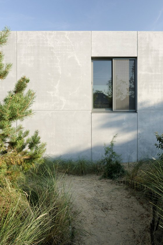 VLE - a concrete house in the dunes by i.s.m. architecten | Detached houses