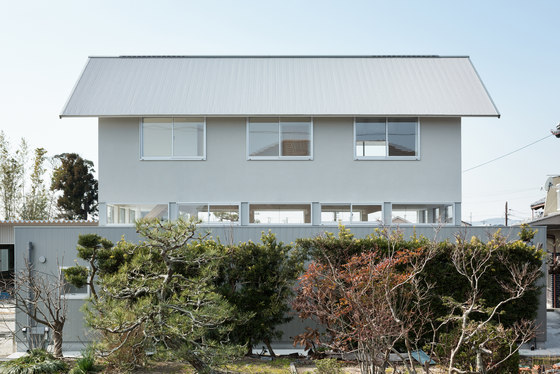 Floating House in Ogasa by Shuhei Goto Architects   Detached houses