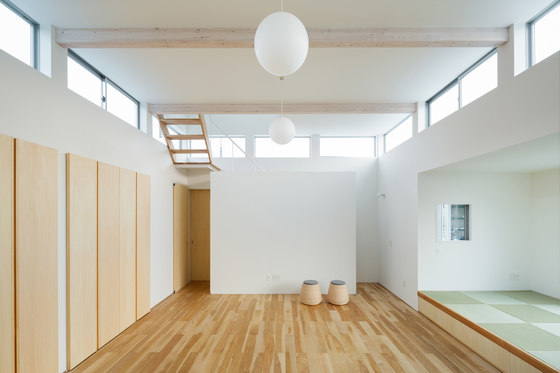 Floating House in Ogasa by Shuhei Goto Architects | Detached houses