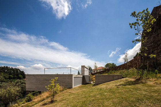 Montaria's Shelter by Carvalho Araújo | Detached houses