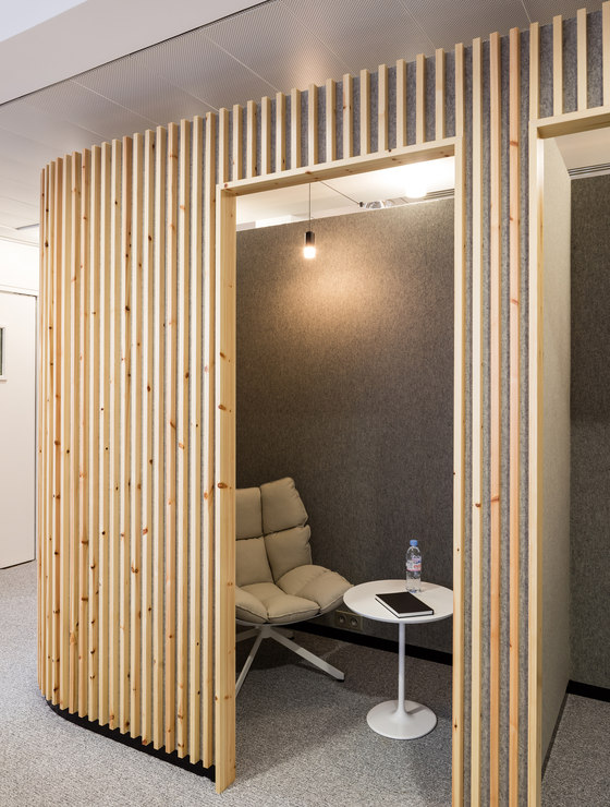 La parisienne headquarters by studio razavi architecture - Cloison en verre interieur ...