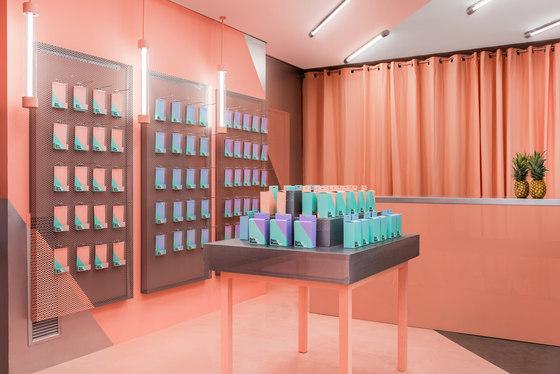 Doctor Manzana Flagship by Masquespacio | Shop interiors