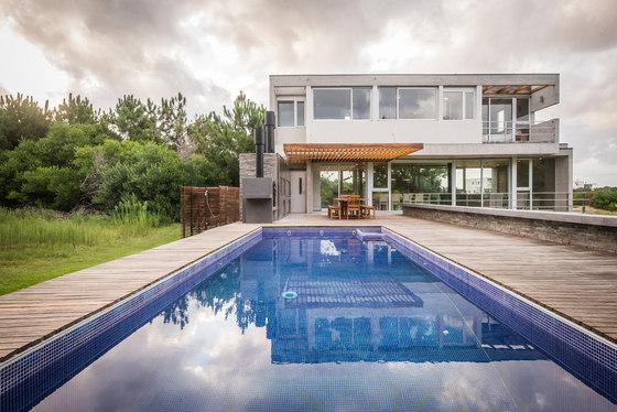 Casa kvs by estudio galera arquitectura detached houses for Casa estudio arquitectura
