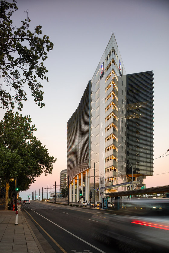 Adelaide health medical school by lyons architecture for Architects adelaide