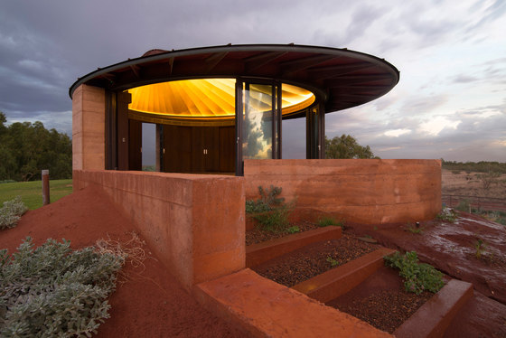The Great Wall of WA by Luigi Rosselli Architects   Semi-detached houses