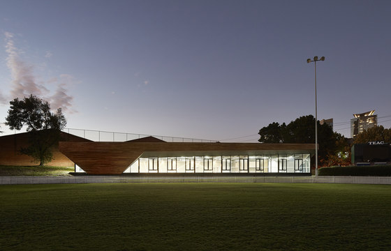 Port Melbourne Football Club (PMFC) von K20 Architecture | Sportanlagen