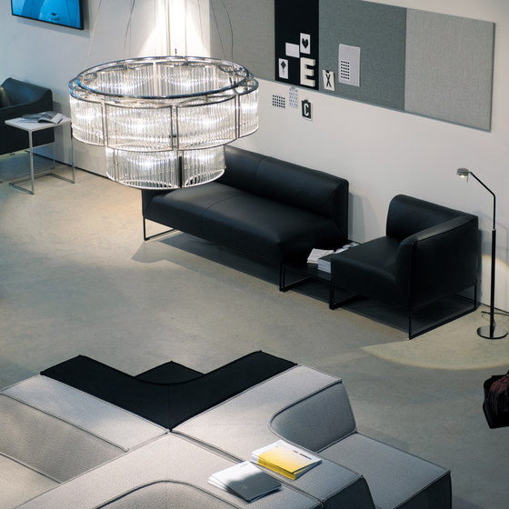 cor showrooms von licht im raum reference projects herstellerreferenzen. Black Bedroom Furniture Sets. Home Design Ideas