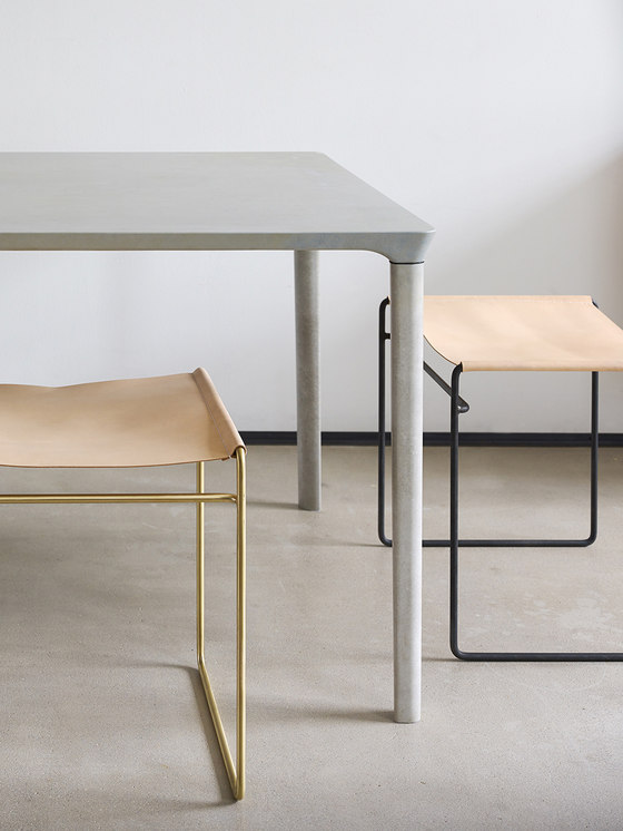 Concrete Table de Nina Mair | Prototypes
