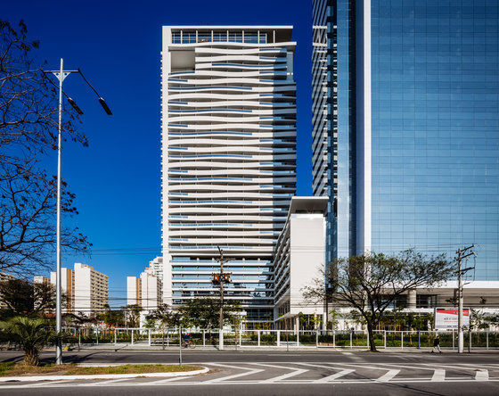 Urbanity by Aflalo/Gasperini Arquitetos | Office buildings
