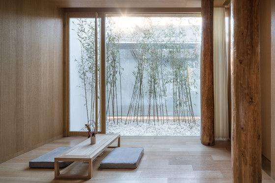 Layering Courtyard by ArchStudio   Hotels