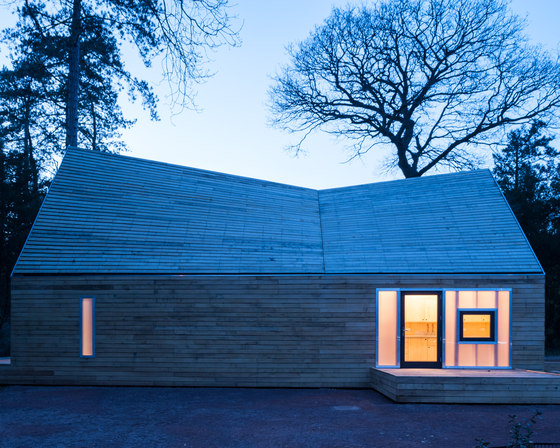 Wolfson Tree Management Centre Mess Building by Invisible Studio | Detached houses